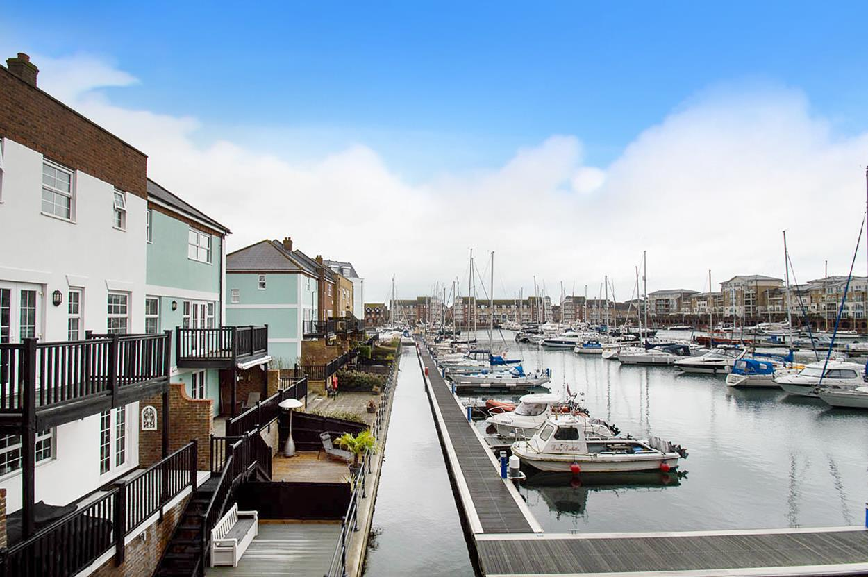 4 Bedrooms Town House for sale in St. Lawrence Mews, Eastbourne